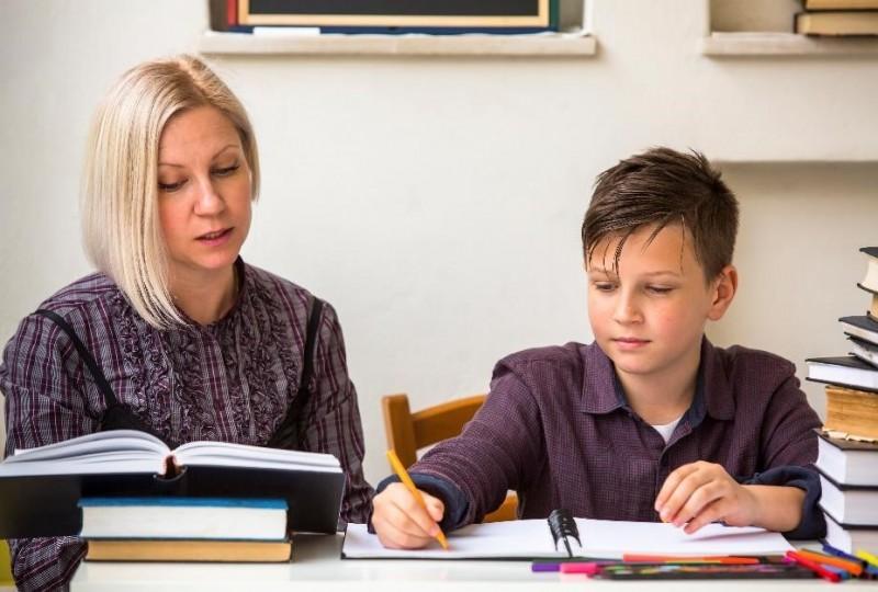 W jaki sposób nauczyciel może rozliczyć przychody z udzielania korepetycji?