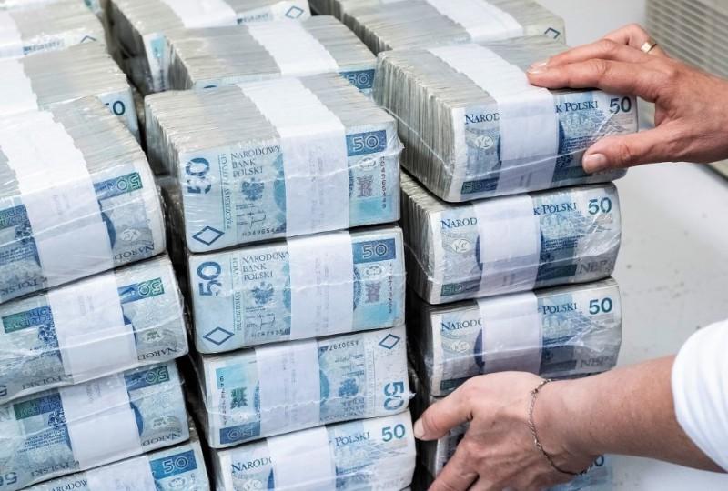 Zagraniczni podatnicy zalegają Skarbowi Państwa grube miliony złotych. Widać też dwucyfrowy wzrost zadłużenia